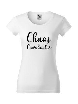 Damska koszulka z krótkim rękawem i napisem Chaos Coordinator. Koszulka w kroju slim-fit z dekoltem, w kolorze białym.