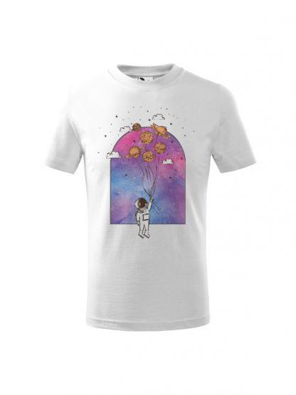 Dziecięcia koszulka z krótkim rękawem i nadrukiem astronauty trzymającego balony z planet. Kolor biały.