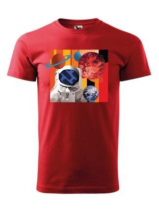Męska koszulka z krótkim rękawem w kolorze czerwonym, z nadrukiem astronauty otoczonego planetami.