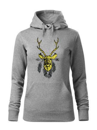 """Szara bluza damska z geometrycznym nadrukiem jelenia w stylu boho. Żółty jeleń otoczony piórami. Bluza typu """"kangur"""" z kapturem."""