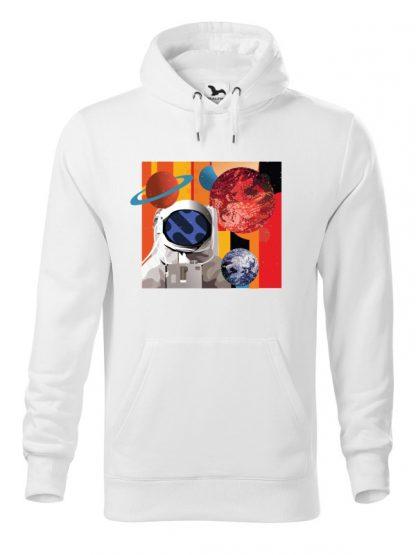 """Biała bluza męska z kolorowym nadrukiem astronauty otoczonego planetami. Bluza typu """"kangur"""" z kapturem."""