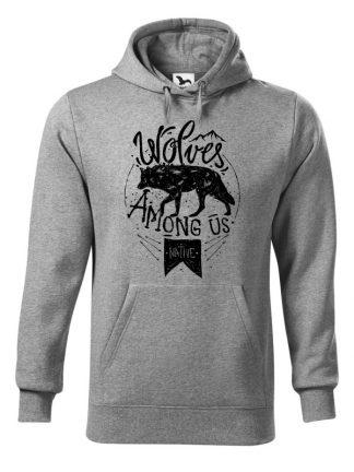 "Szara bluza męska z czarnym nadrukiem wilka oraz napisem Wolves Among Us. Bluza typu ""kangur"" z kapturem."