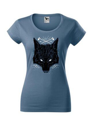 Damska koszulka z krótkim rękawem i czarnym motywem wilka oraz napisem We Are Freaks. Koszulka o kroju slim-fit z dekoltem, w kolorze jeans.