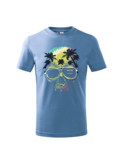 Dziecięca koszulka z krótkim rękawem i kolorowym motywem czaszki oraz napisem Say Yes To New Adventures. Koszulka błękitna.
