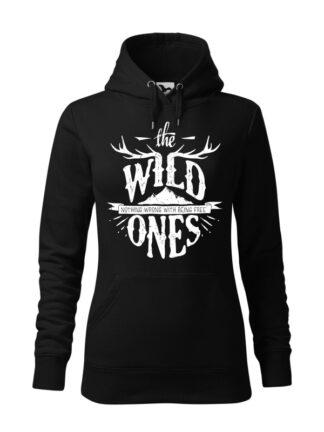"Czarna bluza damska ze stylizowanym napisem The Wild Ones, Nothing Wrong With Being Free. Bluza typu ""kangur"" z kapturem."