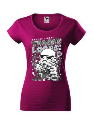 Damska koszulka z krótkim rękawem i czarno-białym nadrukiem płatków śniadaniowych Cosmic Cereal, nawiązujących do popularnej serii filmów sci-fi. Koszulka o kroju slim-fit z dekoltem, w kolorze fuksja.