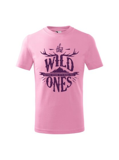 Dziecięca koszulka z krótkim rękawem i stylizowanym napisem The Wild Ones, Nothing Wrong With Being Free. Koszulka różowa.