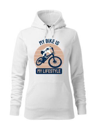 """Biała, wkładana bluza damska typu """"kangur"""", z kolorowym nadrukiem kolarza MTB oraz napisem My Bike Is My Lifestyle."""