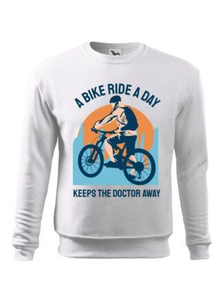 Biała, wkładana bluza męska bez kaptura, z kolorowym nadrukiem kolarza MTB oraz napisem A Bike Ride A Day Keeps The Doctor Away.