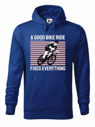 """Niebieska, wkładana bluza męska typu """"kangur"""", z kolorowym nadrukiem kolarza szosowego oraz napis A Good Bike Ride Fixes Everything."""