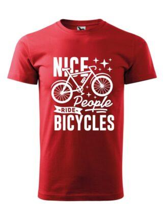 Czerwona koszulka męska z krótkim rękawem. Grafika z rowerem oraz czarnym napisem Nice People Ride Bicycles.