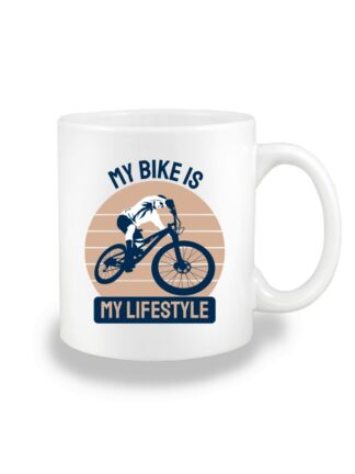 Biały kubek ceramiczny z kolorowym nadrukiem kolarza MTB oraz napisem My Bike Is My Lifestyle.