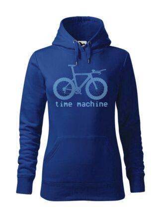 """Niebieska, wkładana bluza damska typu """"kangur"""", z błękitną grafiką roweru czasowego oraz napisem Time Machine."""