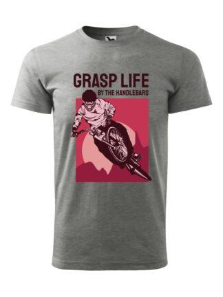 Szara koszulka męska z krótkim rękawem. Monochromatyczny, bordowy nadruk kolarza downhill oraz napis Grasp Life By The Handlebars.